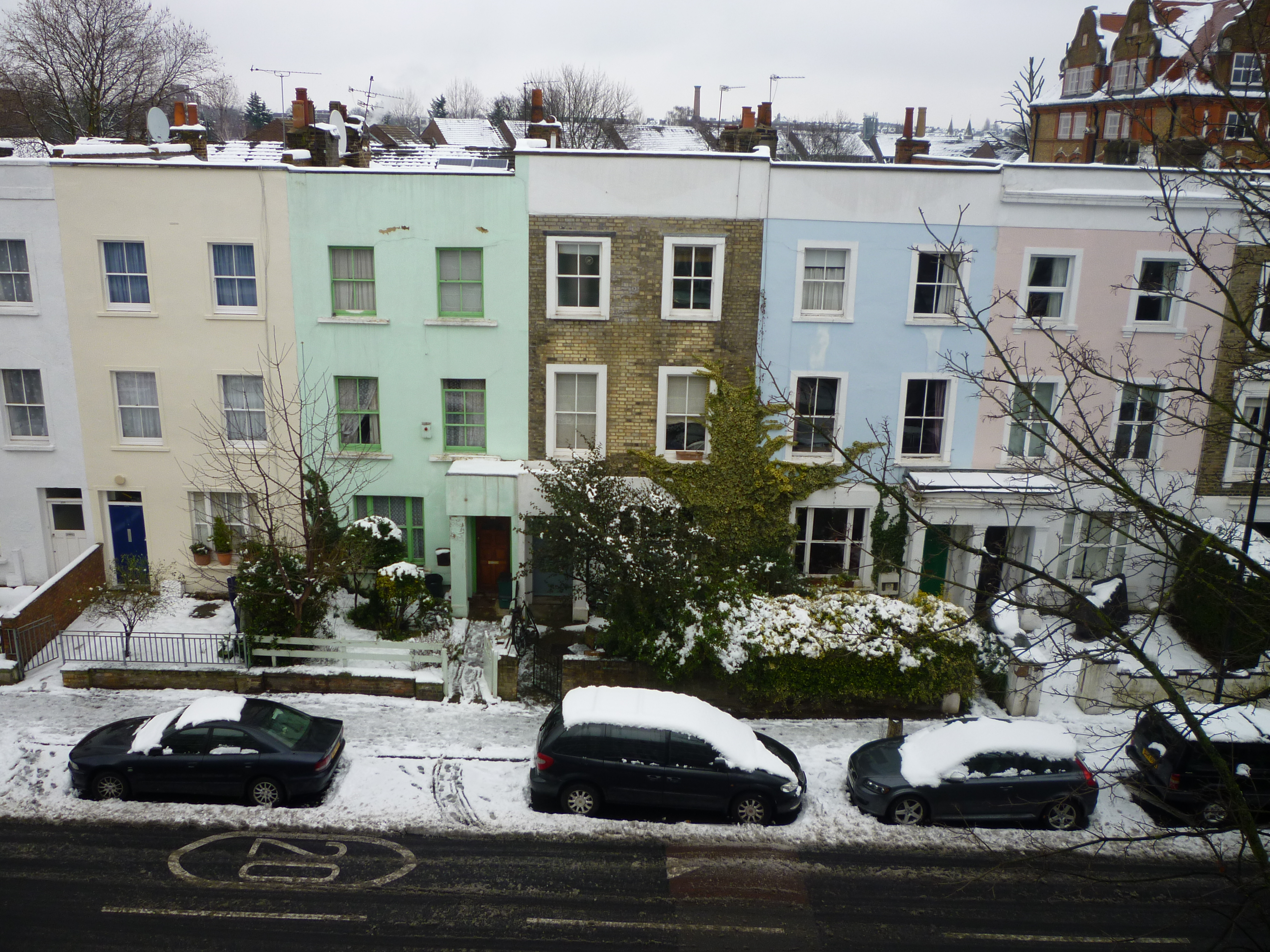 Do You Think London Is Grey? - houses