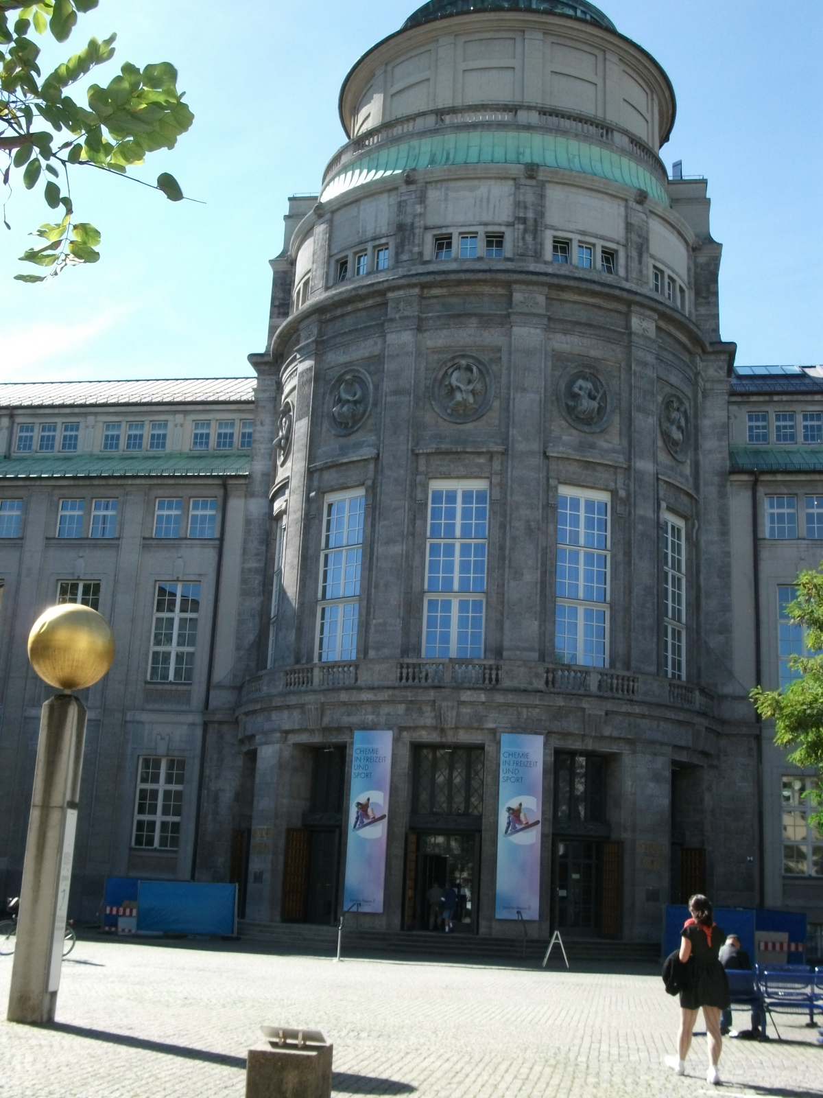 A Londoner from Afar Goes to Munich1 - Deutsches Museum