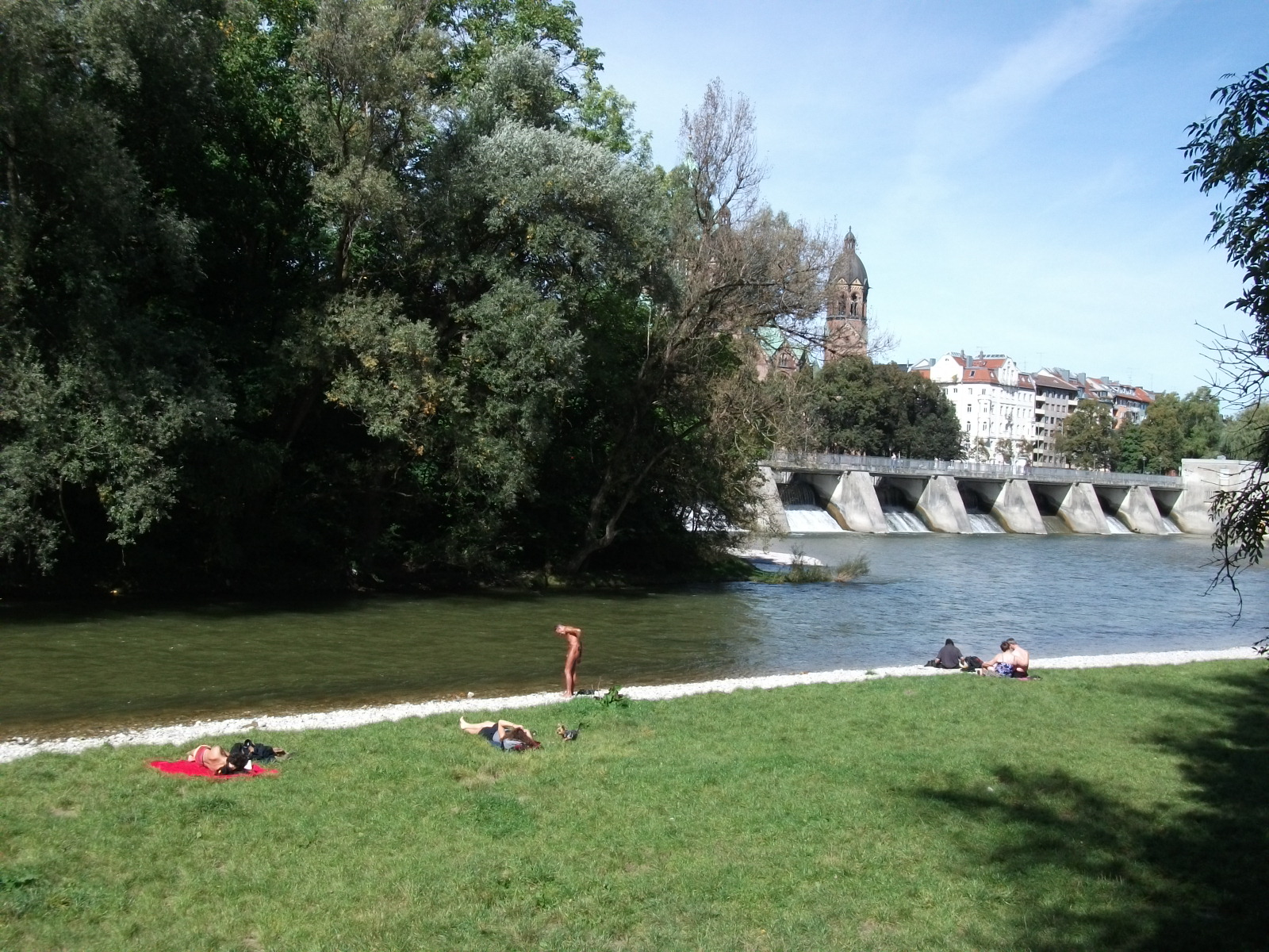 A Londoner from Afar Goes to Munich1 - Isar River