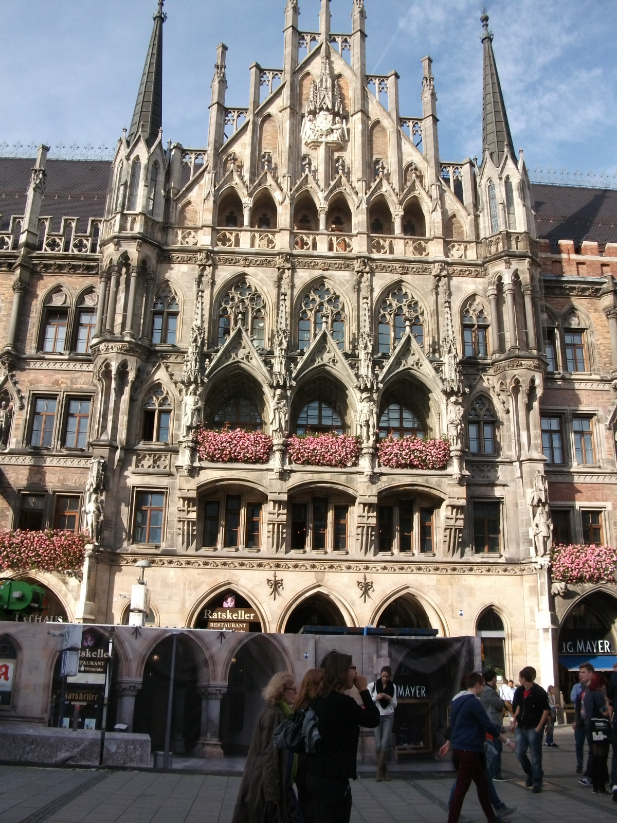 A Londoner from Afar Goes to Munich1 - New Townhall, Marien Platz 2